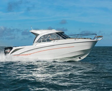 Beneteau Antares 7 Outboard (NEW)